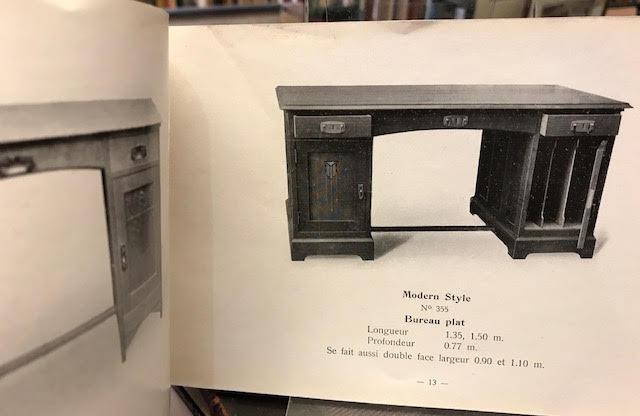 Bureaux plats et a volets classeurs bibliotheques fauteuils etc